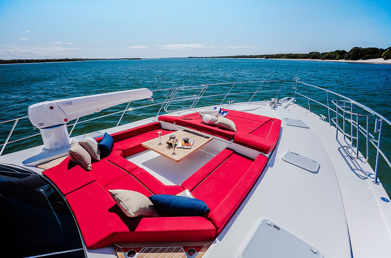 Riviera 77 Enclosed Flybridge for sale - bow