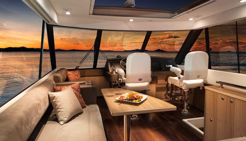 Riviera 57 Enclosed Flybridge - enclosed flybridge