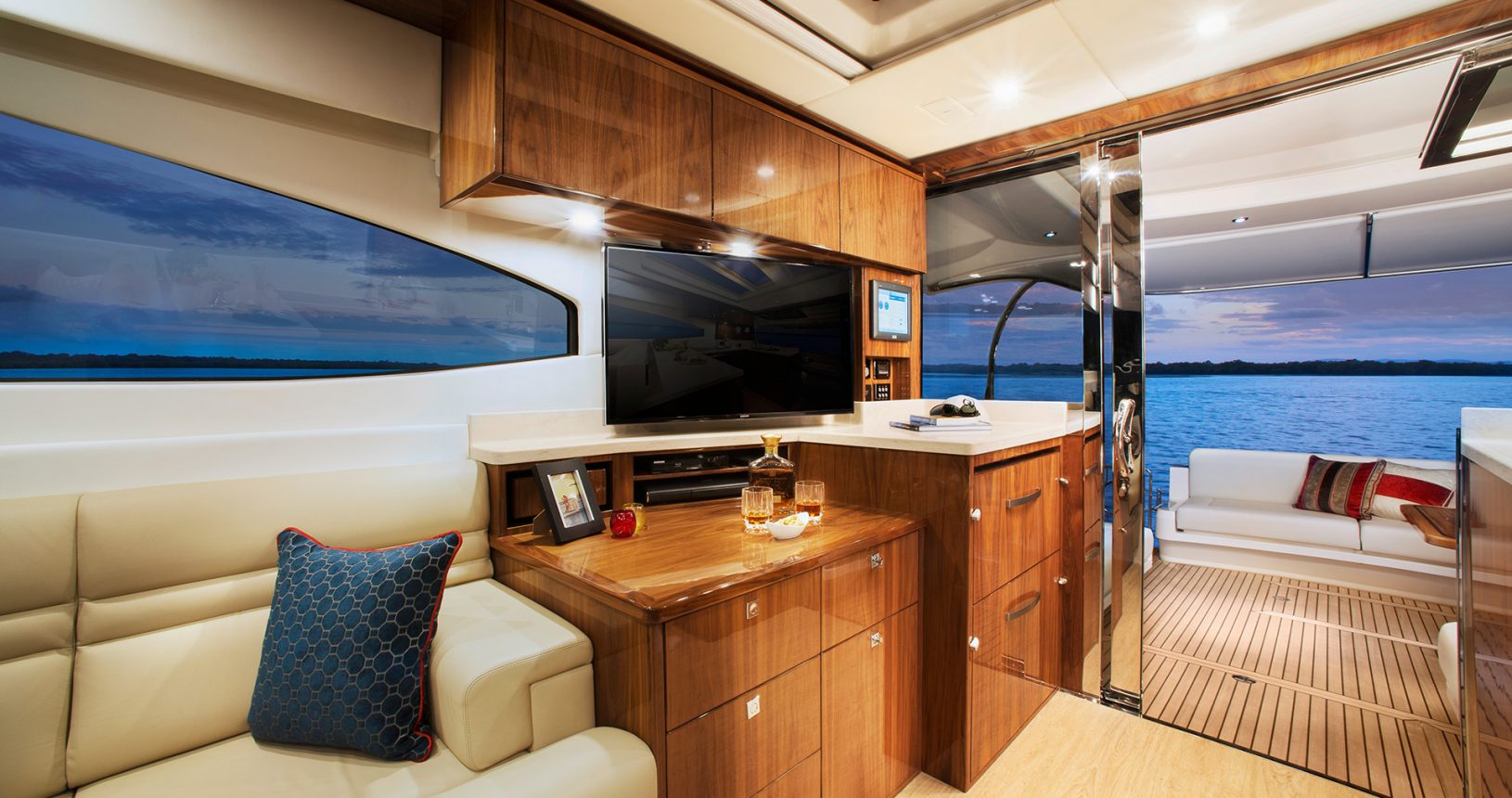 Riviera 6000 Sport Yacht for Sale - TV and Salon