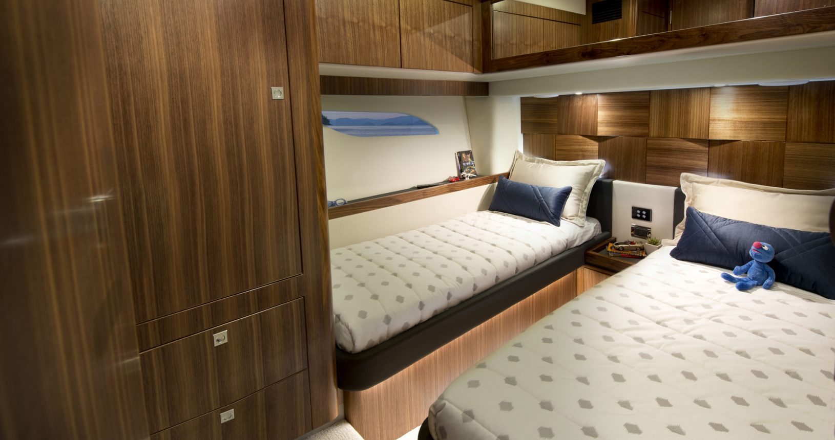 Riviera 6000 sports yacht for sale - guest cabin