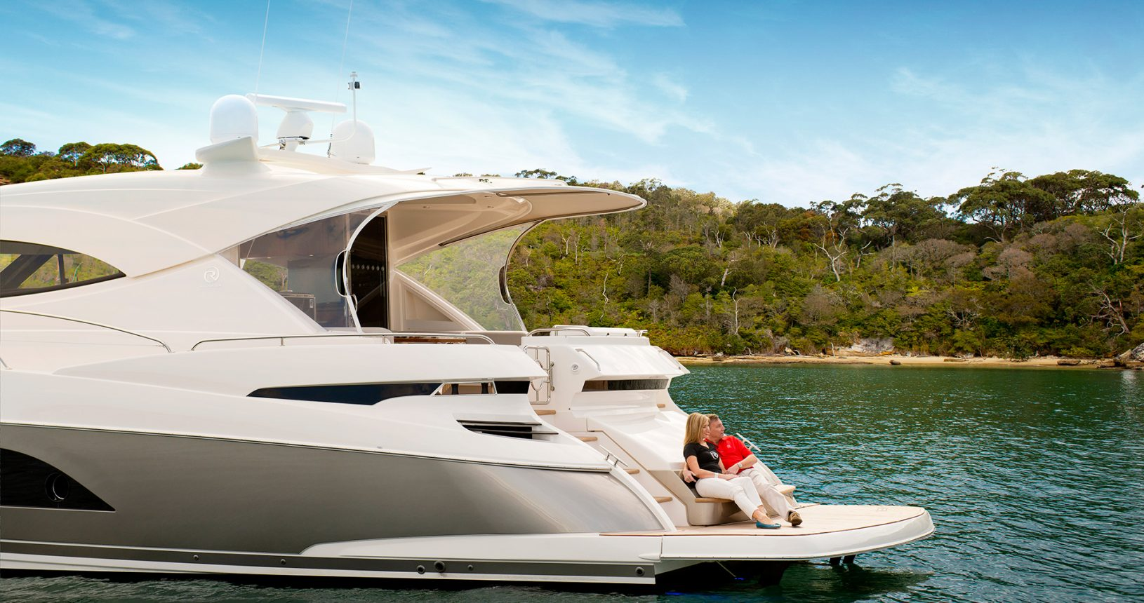 Riviera 6000 Sport Yacht for Sale - transon