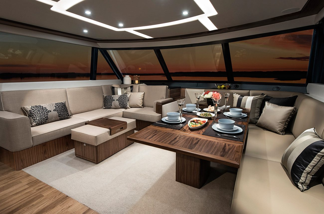 Riviera 72 Sports Motor Yacht for sale - Salon and Dining Area