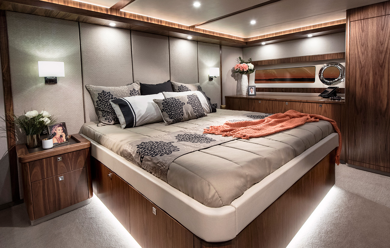 Riviera 72 Sports Motor Yacht for sale - Master Stateroom
