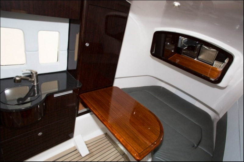 Edgewater 368CC for sale - cabin