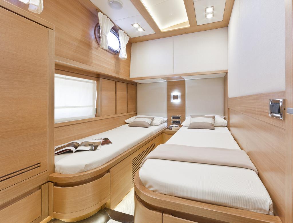 Vicem 82 Cruiser - guest cabin