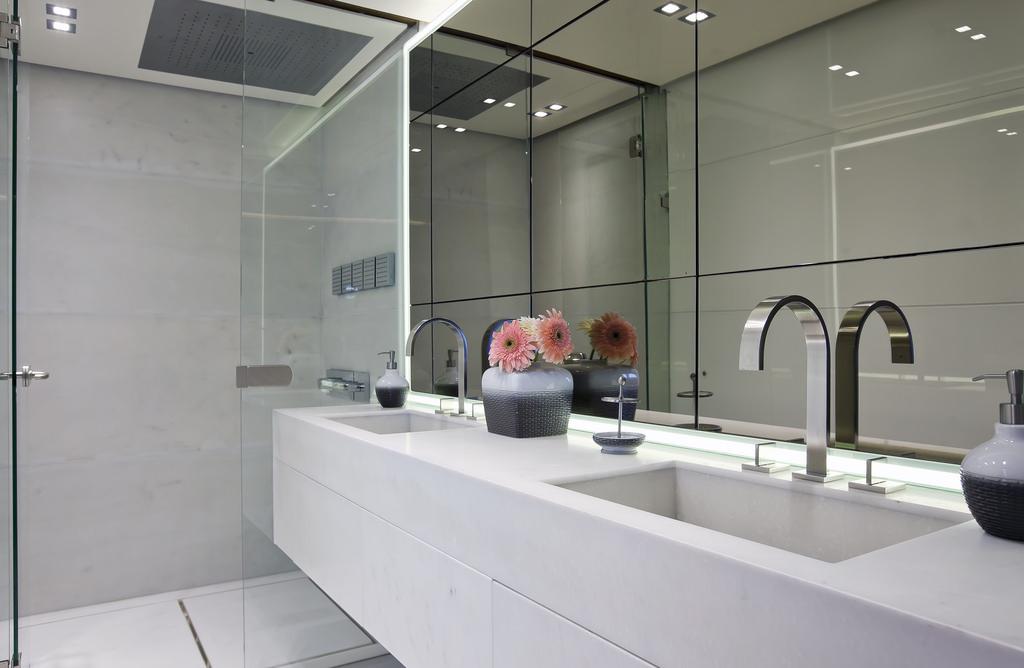 Vicem 107 Cruiser - Ensuite Bathroom