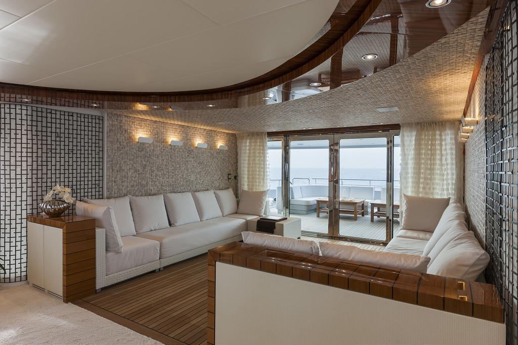 Vicem 151 Tri Deck - salon seating