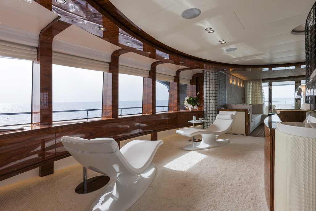 Vicem 151 Tri Deck - Lounge