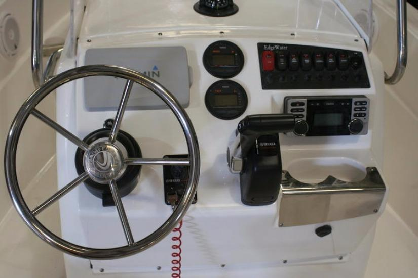 Edgewater 170CC for sale - helm