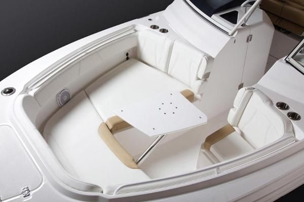 Edgewater 262CX for sale - bow seating and table