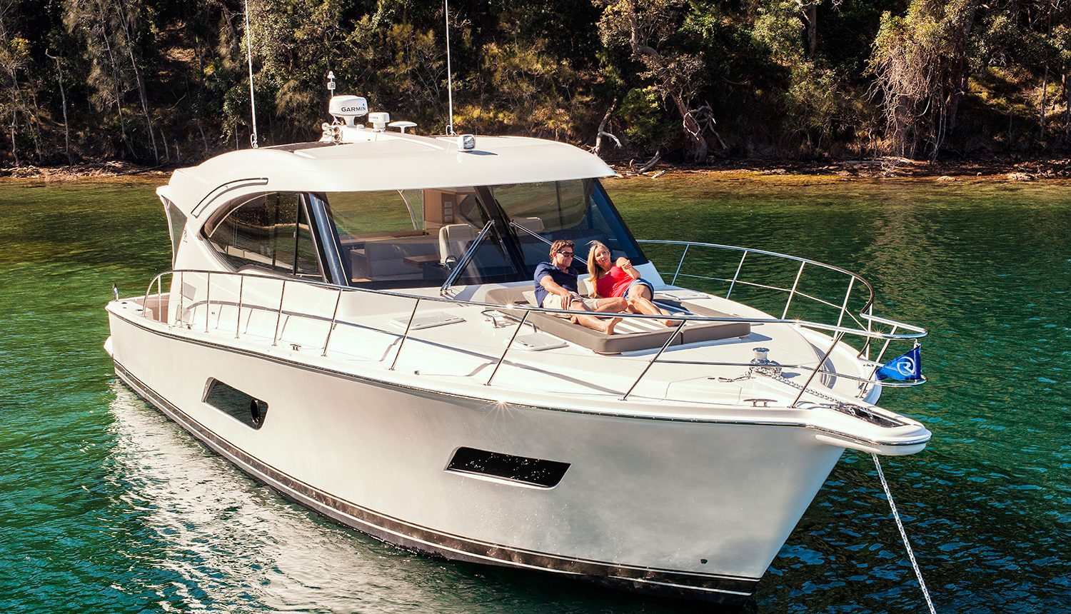 Riviera 525 SUV Yacht for Sale - Anchored