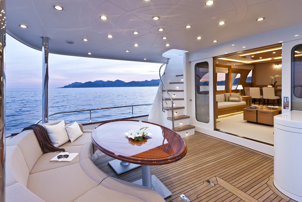 Vicem 82 Cruiser - back deck