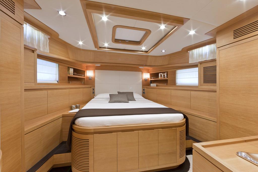 Vicem 80 Classic Flybridge - guest cabin