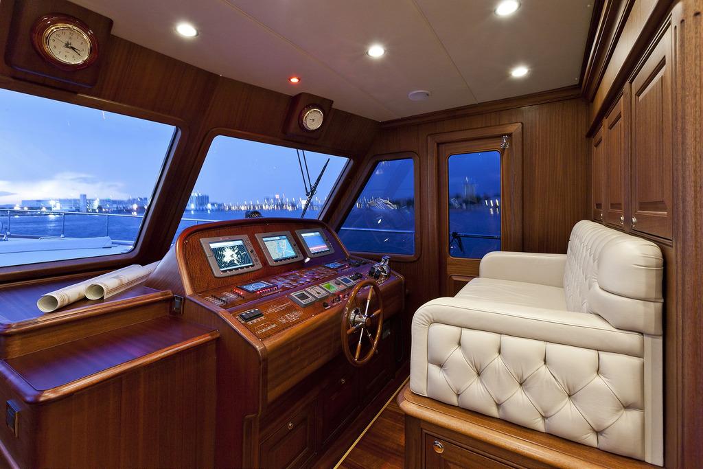Vicem 96 Cruiser - helm