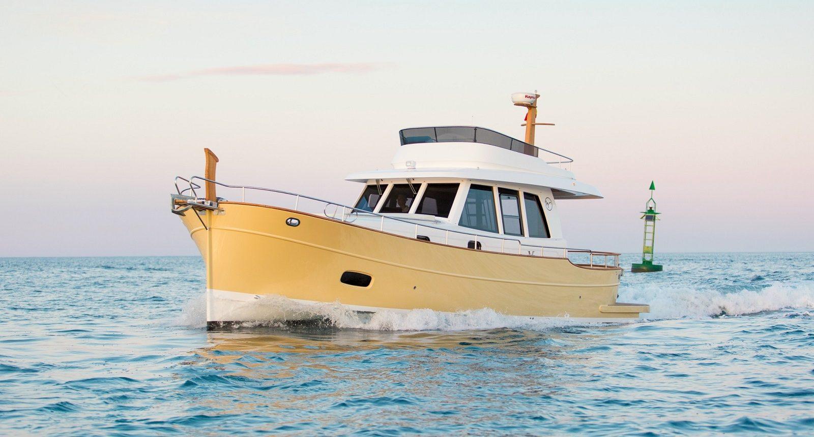 Minorca Islander 42 flybridge yacht for sale