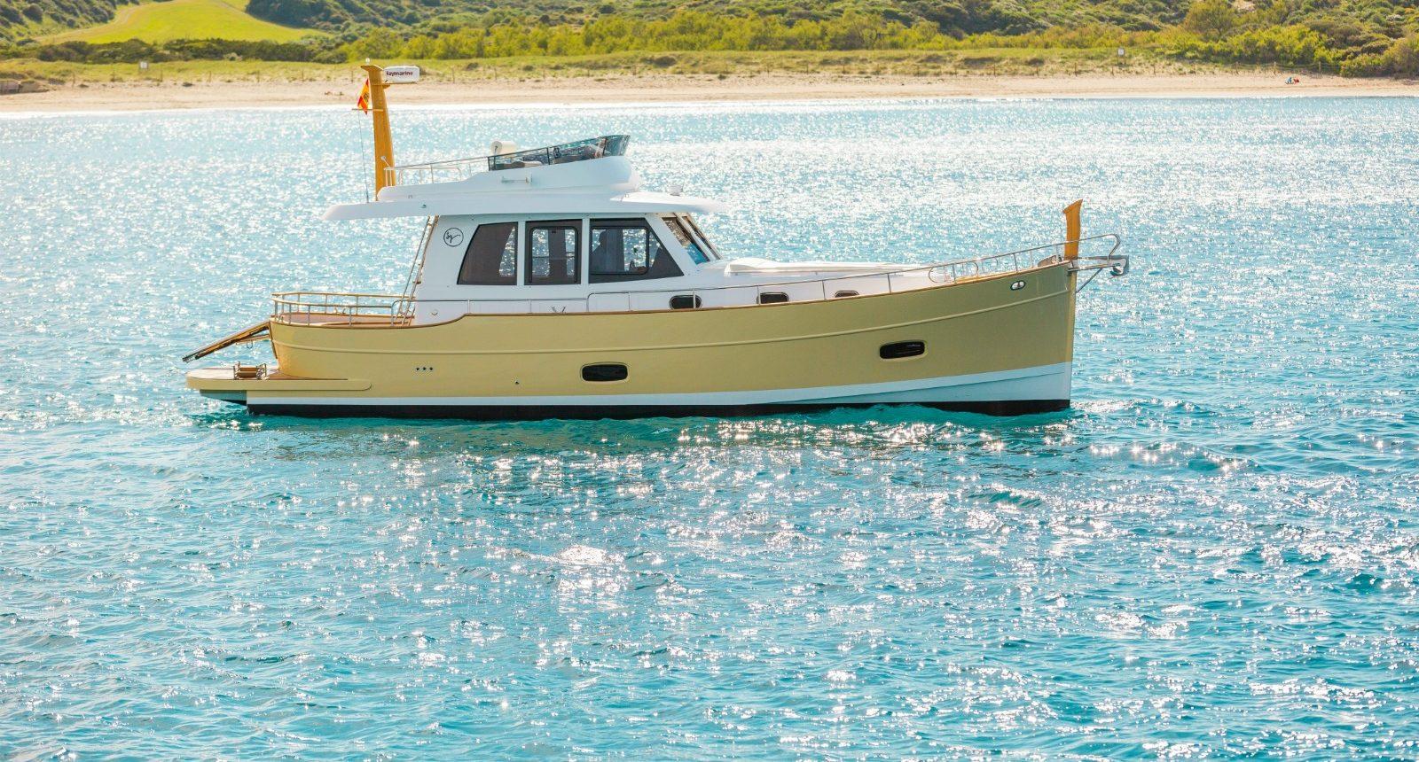 Islander 42 flybridge yacht for sale