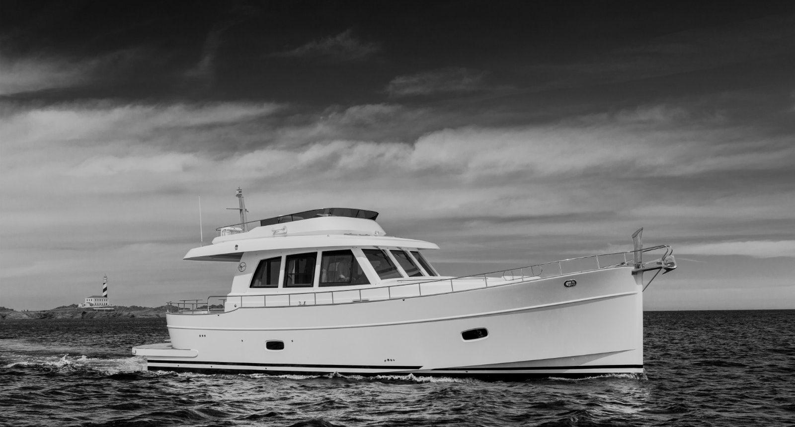 Minorca Islander 54 flybridge yacht for sale - Profile