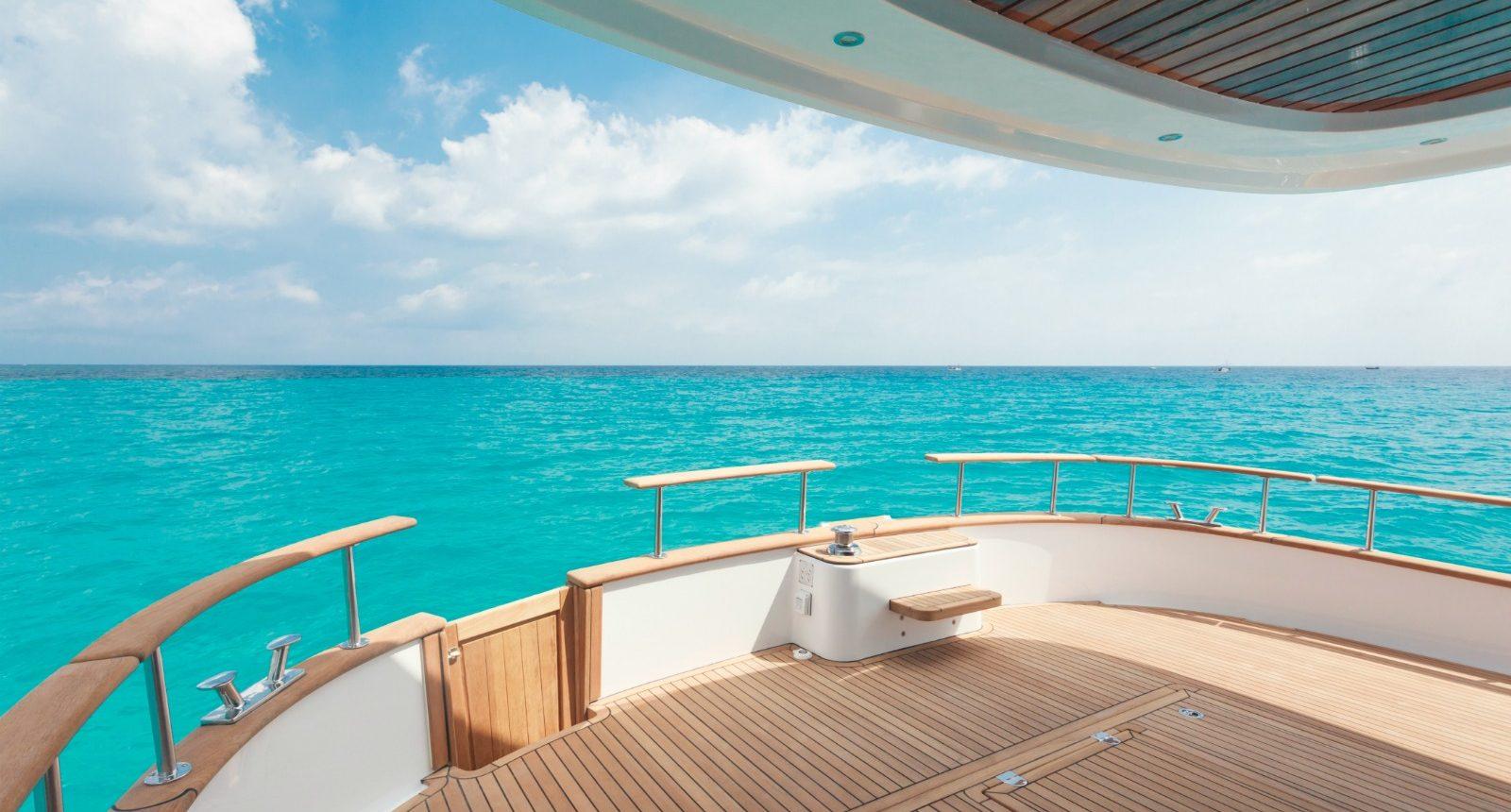 Minorca Islander 54 flybridge yacht for sale - back deck