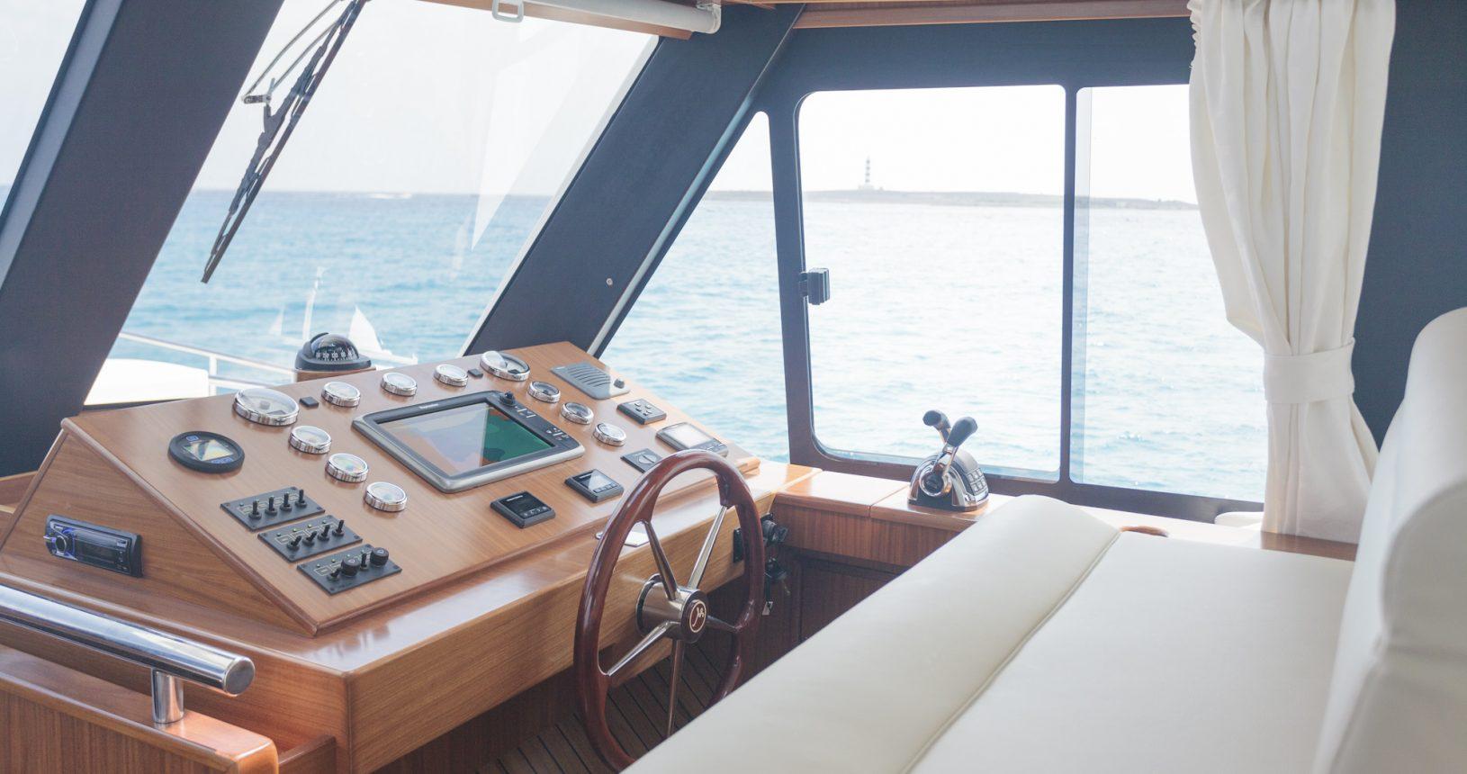 Minorca Islander 54 yacht for sale - helm