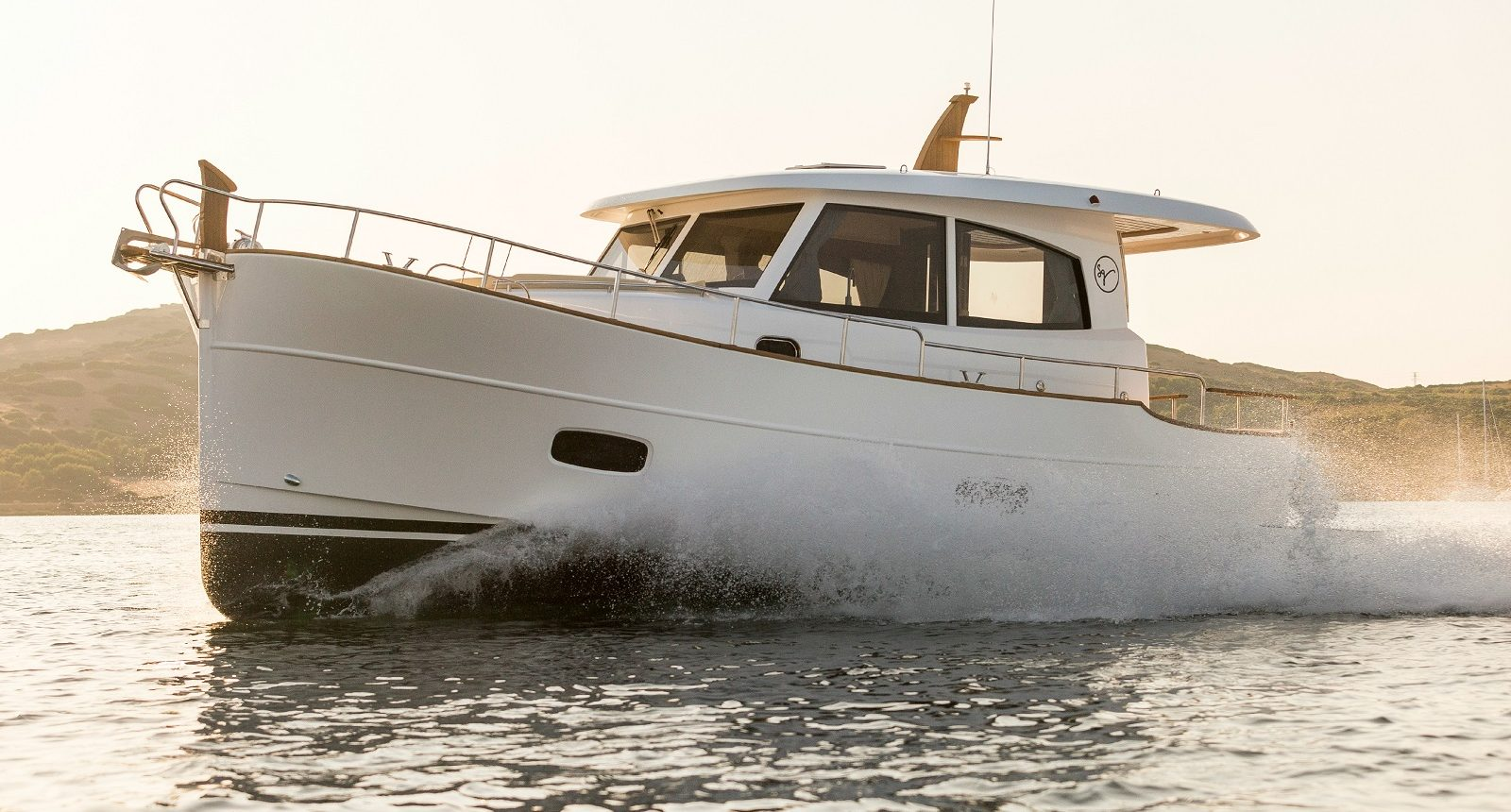 Minorca Islander 34 for sale - running