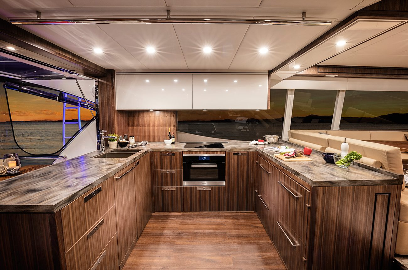 Riviera 77 Enclosed Flybridge for sale - Galley