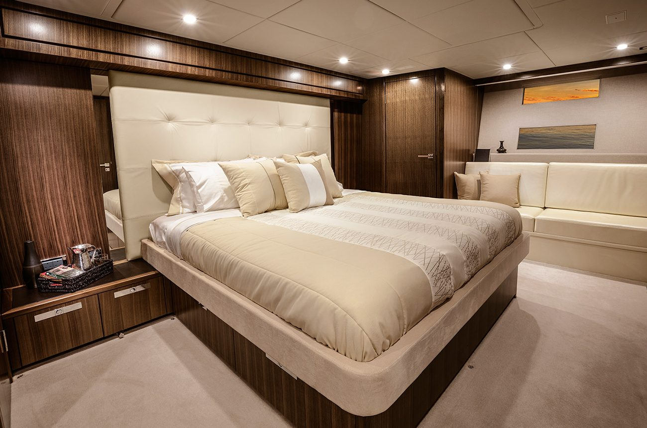 Riviera 77 Enclosed Flybridge for sale - Master Stateroom