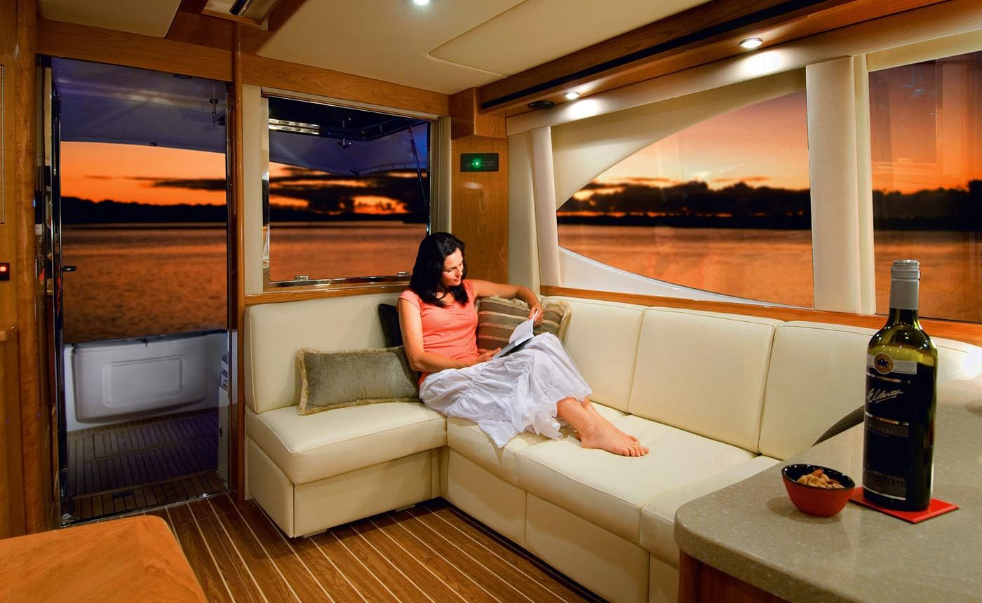 Riviera 45 Open Flybridge - salon