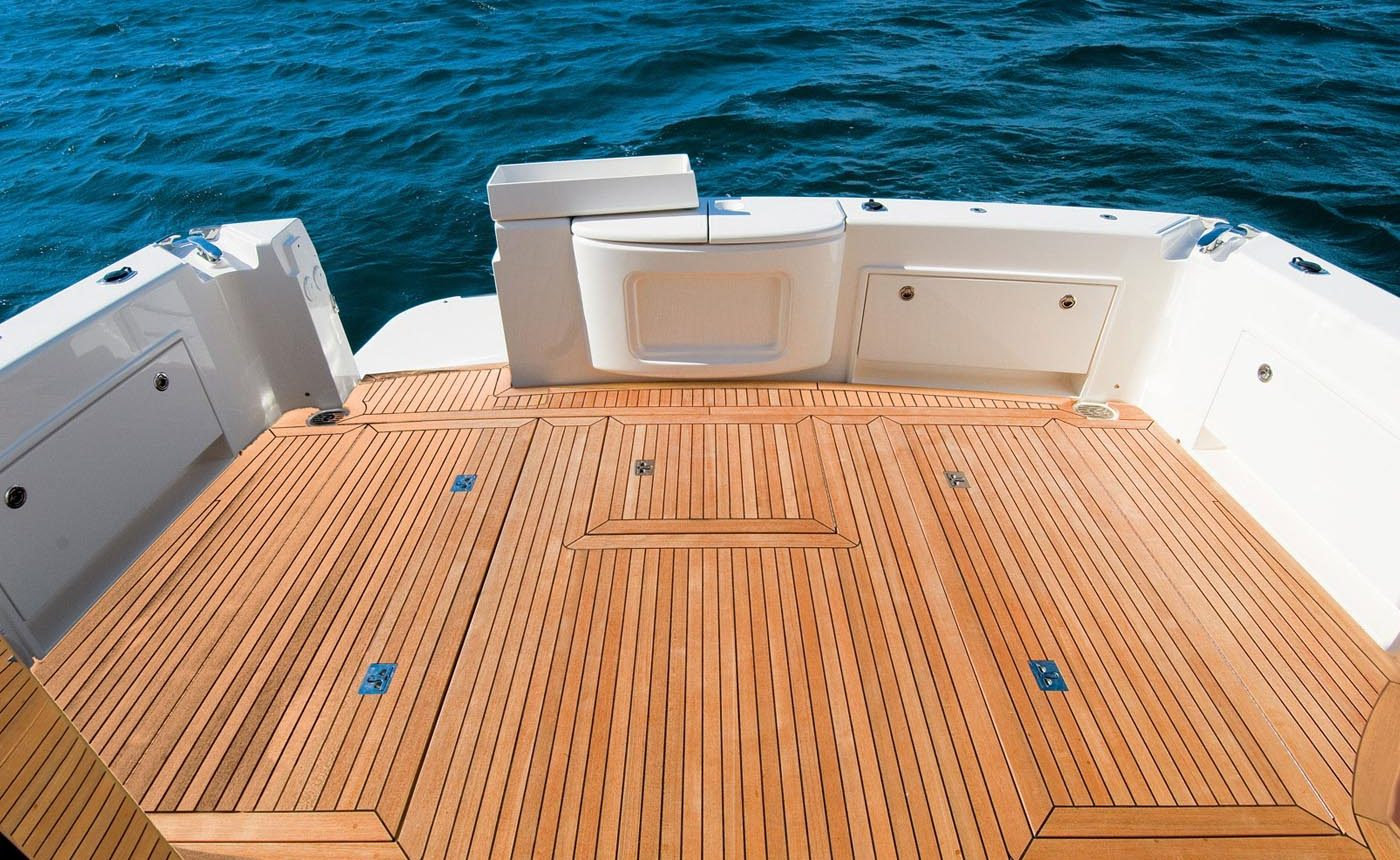 Riviera 45 Open Flybridge - aft deck