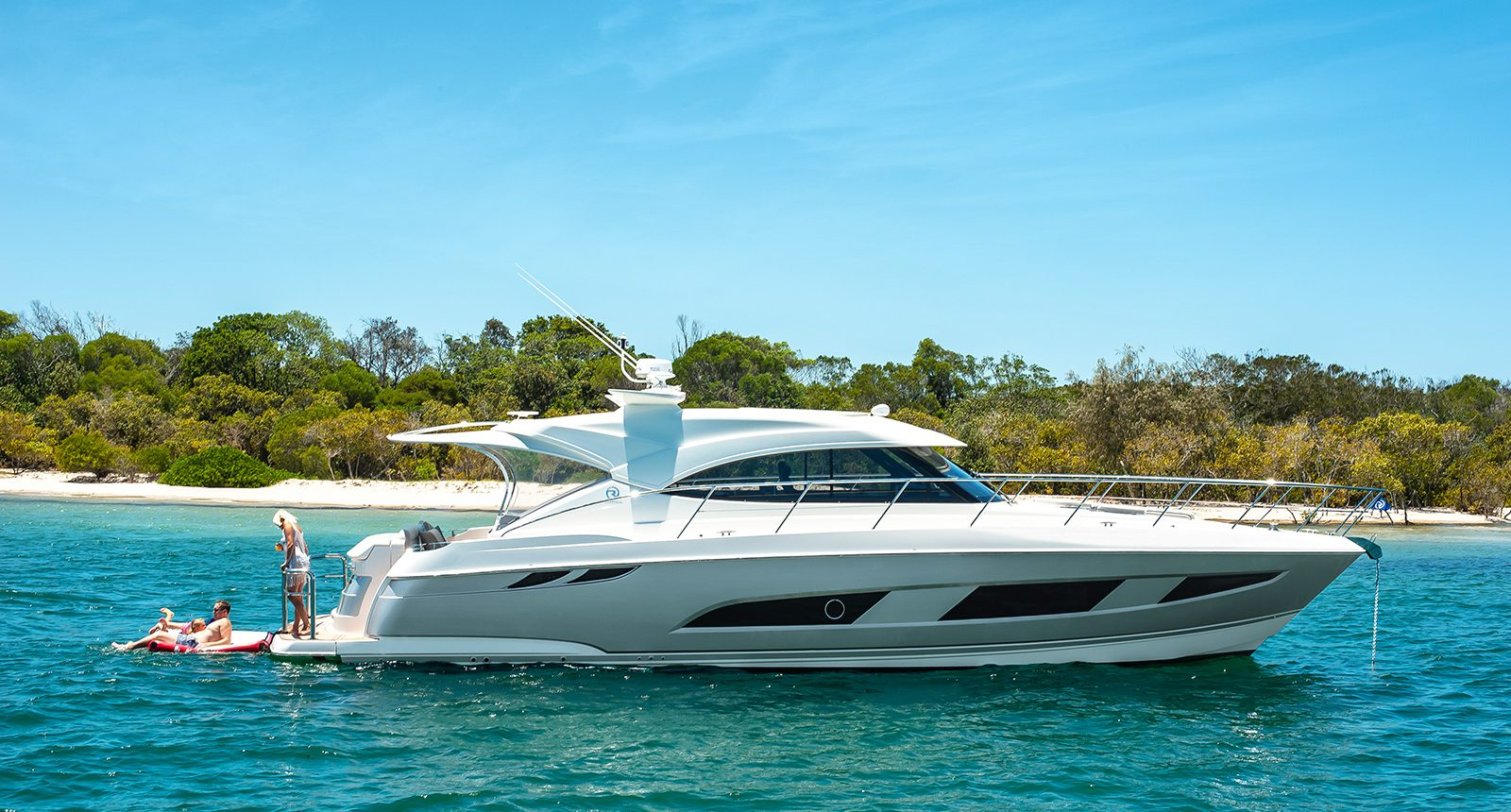 Riviera 4800 Sport Yacht - anchored