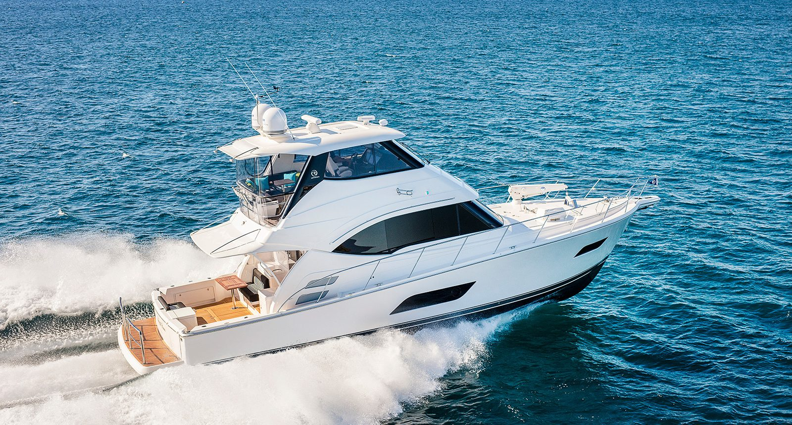 Riviera 52 enclosed flybridge for sale - running