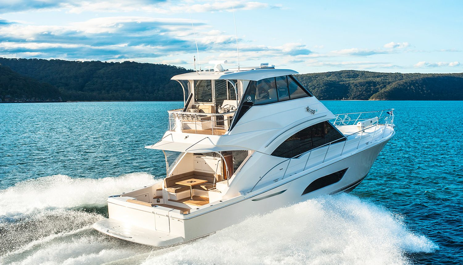 Riviera 57 Enclosed Flybridge - running