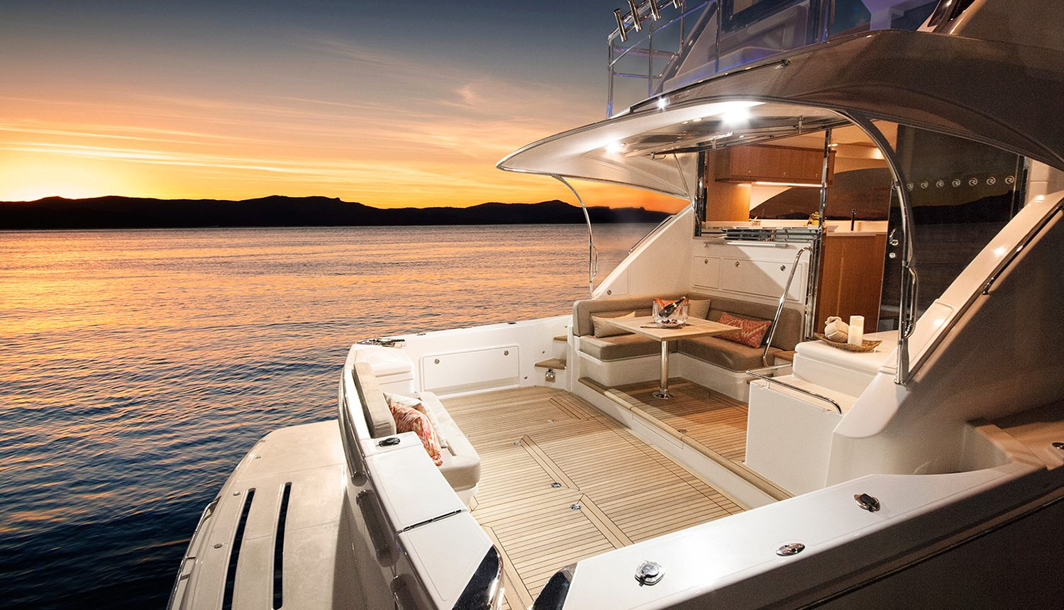 Riviera 57 Enclosed Flybridge - back deck