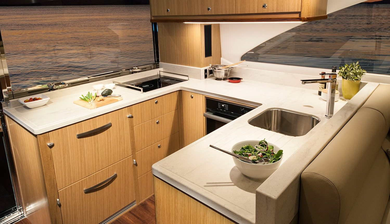 Riviera 57 Enclosed Flybridge - galley