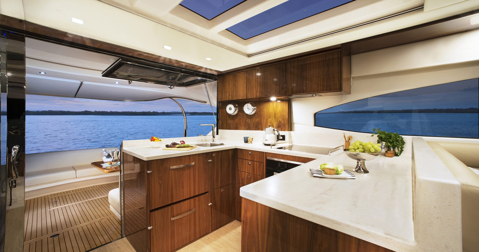 Riviera 6000 Sport Yacht for Sale - galley