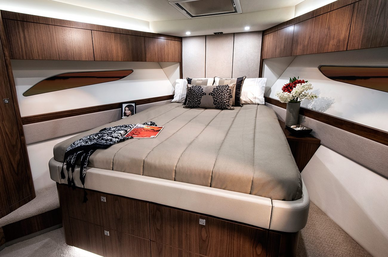 Riviera 72 Sports Motor Yacht for sale - VIP Cabin