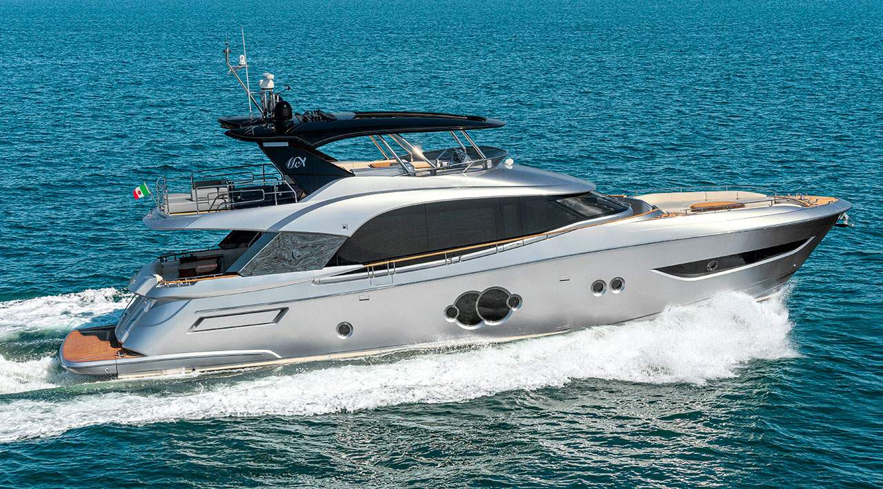 Monte Carlo Yachts MCY 76 Running