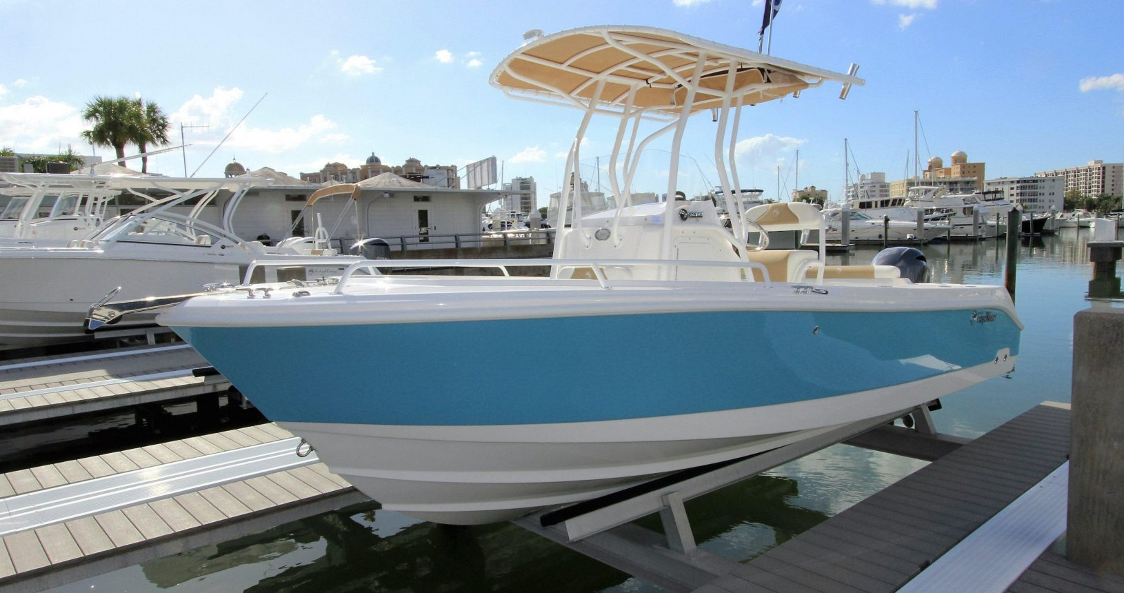 Edgewater 208CC for sale - docked