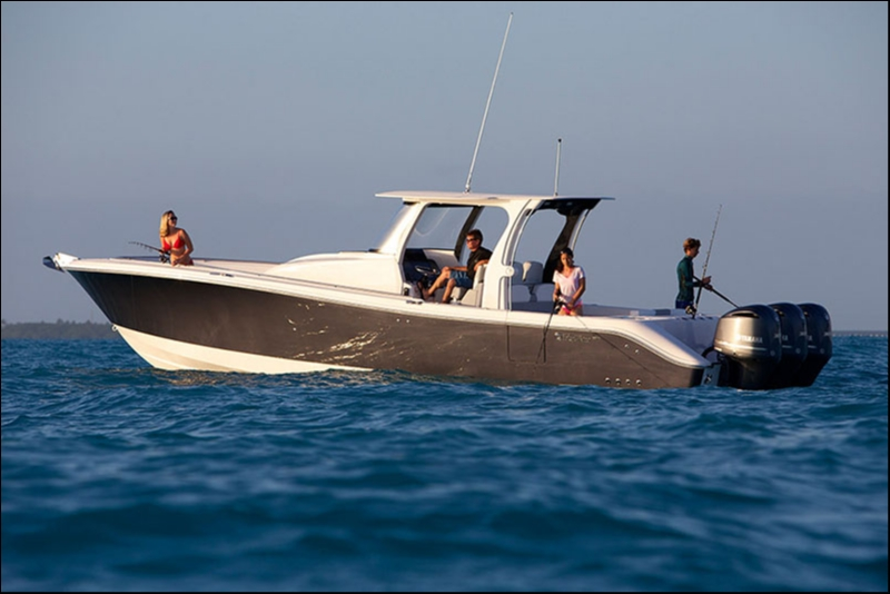 Edgewater 368CC for sale - anchored