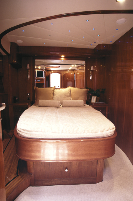 Vicem 54 Sportfish for sale - master stateroom