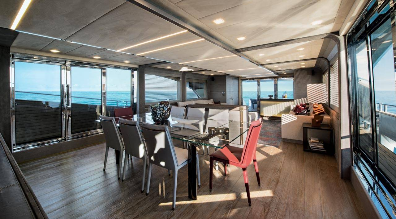 Monte Carlo Yachts MCY 105 for sale - dining area