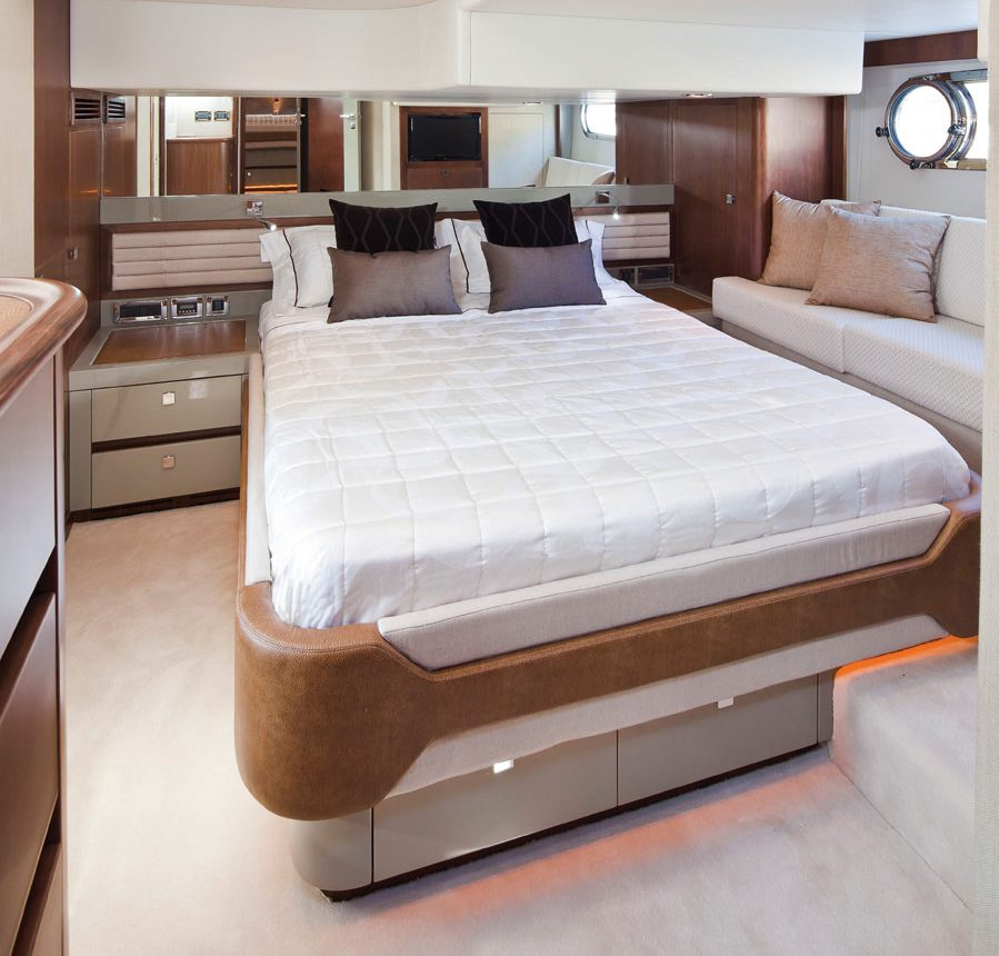 Belize 54 Sedan for sale - master stateroom