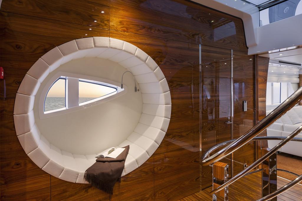 Vicem 151 Tri Deck - Interior