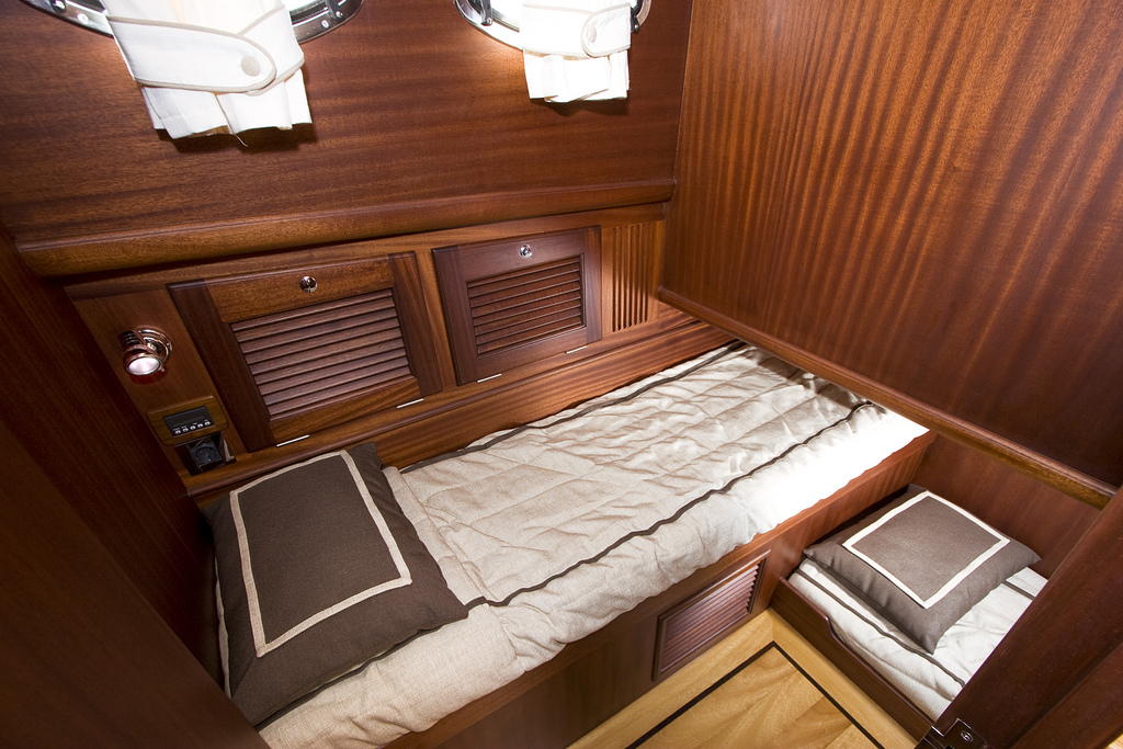 Vicem 57 Sportfish for sale - guest cabin
