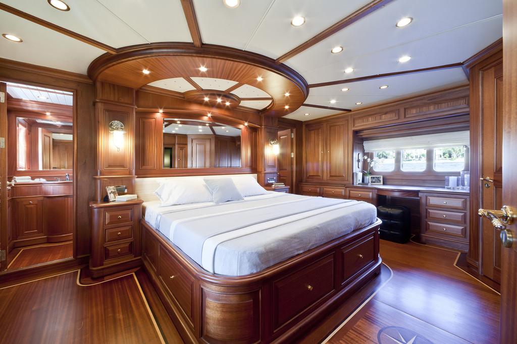 Vicem 96 Cruiser - master stateroom