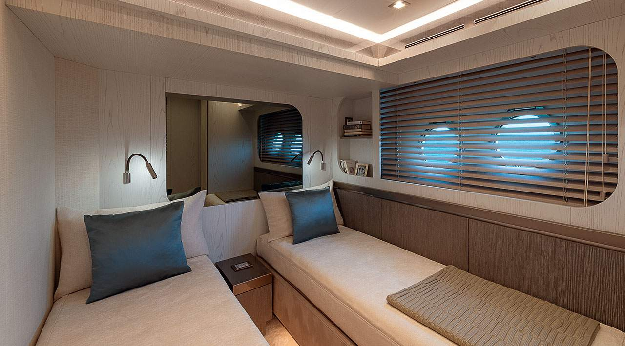 Monte Carlo Yachts MCY 76 Guest Cabin