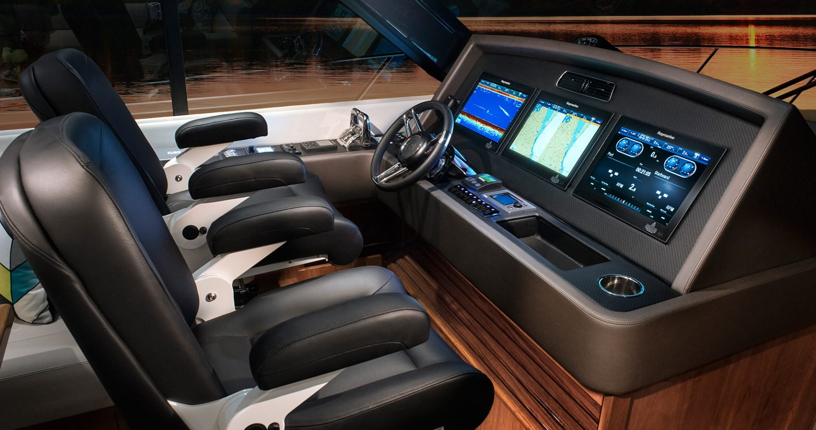 Riviera 575 SUV for Sale - Helm
