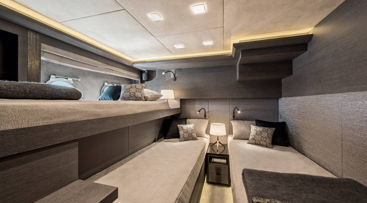 Monte Carlo Yachts MCY 105 for sale - guest cabin