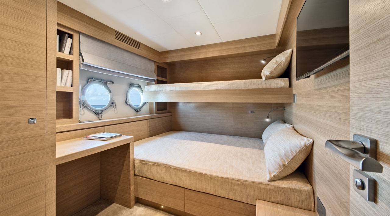 Monte Carlo Yachts MCY 105 for sale - crew cabin