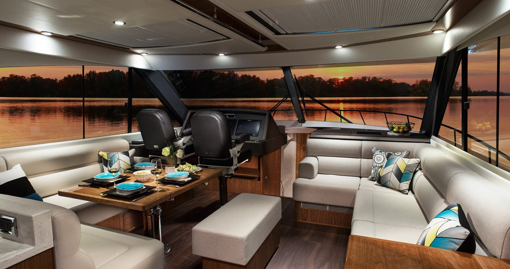 Riviera 575 SUV for Sale - Salon