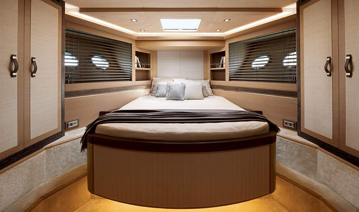 Monte Carlo MCY 80 yacht for sale - VIP stateroom